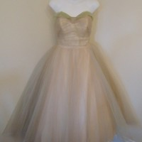 Vintage Elizabeth Ann 1950's Formal Strapless Prom Wedding Dress in Champagne