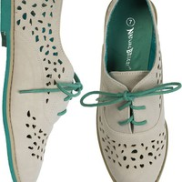 CAMBRIDGE LASER CUT OXFORD | Swell.com
