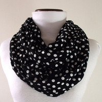 INFINITY SCARF Black and White Polkadots by liliavaniniboutique