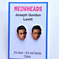 Joseph Gordon-Levitt earrings