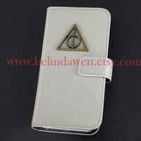 Iphone 5 Case, Deathly Hallows iphone 5 case, harry potter Iphone 5 Case, cream pu leather Case