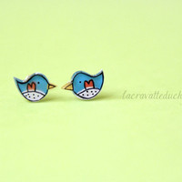 Bird stud earrings Small bird jewelry by lacravatteduchien on Etsy