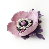Felt brooch flower light lilac poppy with violet leaves - ready to ship