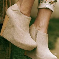 Messeca linen covered wedge