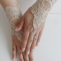 FREE SHIP, wedding gloves, gold lace gloves, Fingerless Gloves, bride accessory