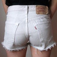 Cream Levis Shorts W32 from derbyvintage