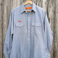 80s Blue Workshirt, Men&#x27;s L, Name Embroidery &quot;Wayne&quot;  // Mens Vintage Long Sleeve Work Shirt