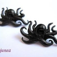 Black octopus stud earrings by Bijunea on Etsy