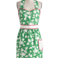 Croak Madame Apron | Mod Retro Vintage Kitchen | ModCloth.com
