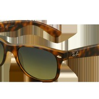 RB2132 - 894/76 - NEW WAYFARER