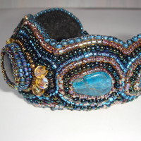 Bead Embroidery Bracelet with Lapis Lazuli cabochon. Blue and gold. from Barcelonaibizacolors