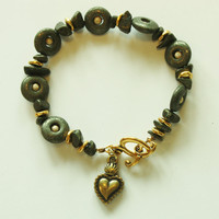 Beaded bracelet/ Green Pyrite/ Gold Heart Charm/ Toggle Clasp/ Handmade bracelet / Fashion Jewelry