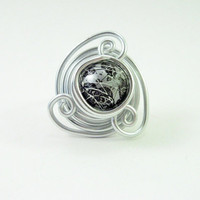 Ring in wire wrapped silver aluminium and silver black by alufolie