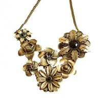Retro Palace Flower Pendent Necklace