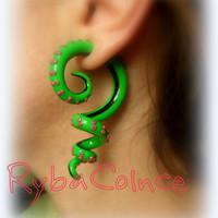 Fake ear gauge / Faux gauge/Gauge earrings / fake piercing
