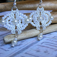 Micro macrame earrings. White and vintage pearl beaded bridal earrings.