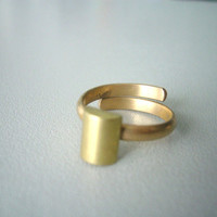Geometric tube brass ring