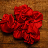 5 Red Silk Rose Heads by TheVintageCountry on Etsy