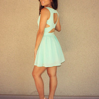 Je t'aime Heart Cutout Dress (Mint)