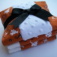 University of Texas (UT) - Hook 'Em Horns Neutral Baby Burp Cloths Set of Three (3)