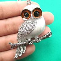 Beautiful Snowy Owl Animal Pendant Necklace in Grey on Silver from Dotoly