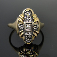 Early 1900's Ladies Marquis Shaped Ring in Gold with  RGDI220D