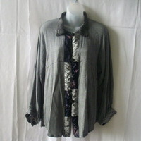 Globe Trotter L rayon gray button-down shirt with silky panels & beaded buttons
