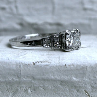 RESERVED - Pretty Vintage Art Deco 18K White Gold Diamond Engagement Ring.