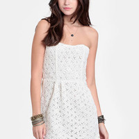 Daisy Chain Crocheted Lace Dress - $52.00 : ThreadSence, Women&#x27;s Indie &amp; Bohemian Clothing, Dresses, &amp; Accessories