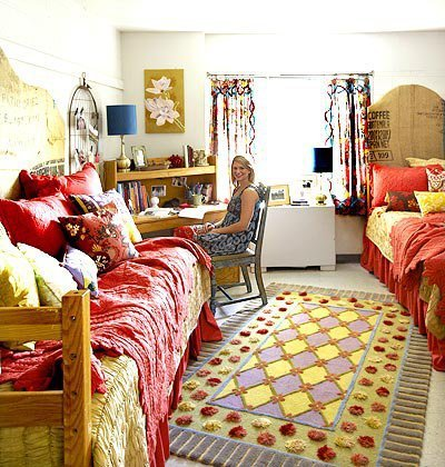 a cool cute dorm room after decorating from