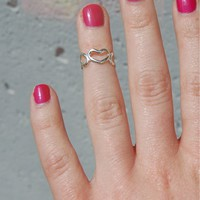 Silver Heart Cutout Knuckle Ring