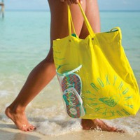 Beach in Style: The Perfect Beach Bag