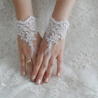 Free Ship, Bridal Glove, ivory, silver-embroidered lace gloves, Fingerless Glove