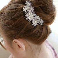 Crystal Daisy Hair Pin | LilyFair Jewelry