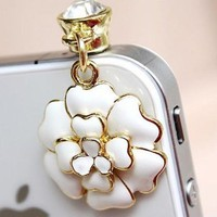 MinisDesign 3D Crystal White Flower Earphone Jack / Dust Plug for Apple For iPhone:Amazon:Cell Phones & Accessories