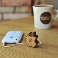 Wooden Apple Speaker | The Gadget Flow