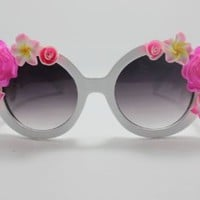 Amazon.com: WIIPU rose half Flower Adorned Round Oversized Sunglasses Baroque Swirl Arms(SG-22): Clothing