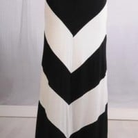 Black and White Thick Chevron Maxiskirt