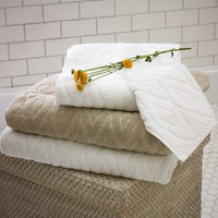 Organic Sculpted Diamond Bath Towel