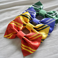 Gryffindor Hair Bow - Dimeycakes - Hair Bows, Cases, & Apparel