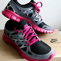 New NIKE Free Run+ 2 EXT Running Shoes Womens 8.5 Black Grey Pink