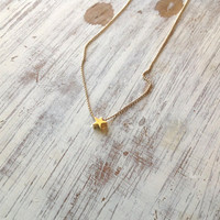 gold necklace, petite star necklace, tiny necklace, gold star necklace, petite jewelry, delicate necklace -577