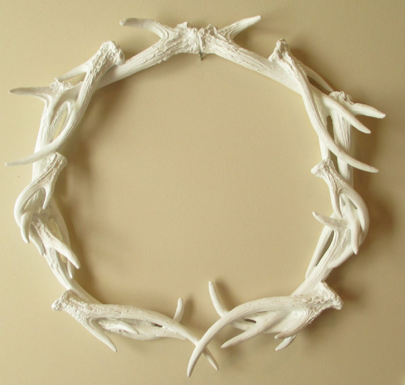 Antlers wreath deer head antler from hodi home decor for Antler decoration