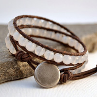 White beaded bracelet. Bohemian chic jewelry.