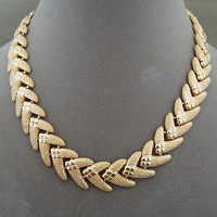 Vintage Gold Metal Linked Arrowhead Necklace