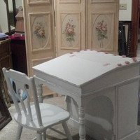Shabby Chic Writing Desk Vanity Chair White Pink Roses Farmhouse Style School Desk French Provincial Vanity Table Bookshelf
