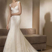 Gorgeous Trumpet / Mermaid Sweetheart Chapel Train Floor Length Lace White Wedding Dress
