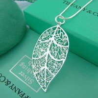 Exquisite Leaf Necklace
