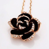 roses diamond necklace