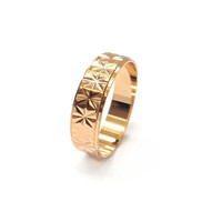 CASUAL TRIANGLE PATTERN GOLD TONE RING BAND U.S SIZE 7 *FREE GIFT BOX*